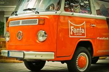 auto-vw-vw-bus-vehicle-163695.jpeg